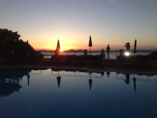 Grand Hotel Smeraldo Beach : coucher de soleil
