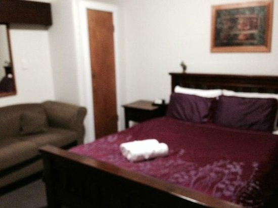 Hotel Waterloo & Backpackers: nice room