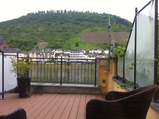 Hotel Noss : Mosel river from room balcony