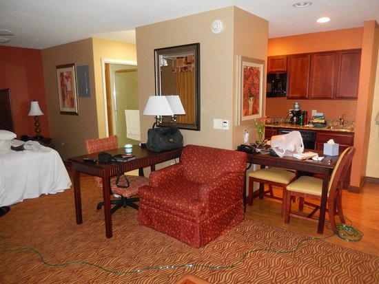 Homewood Suites by Hilton, Medford : Our room