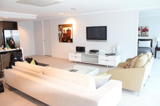 Sacred Waters Taupo Luxury Apartments : lounge area - beautiful in floor heating