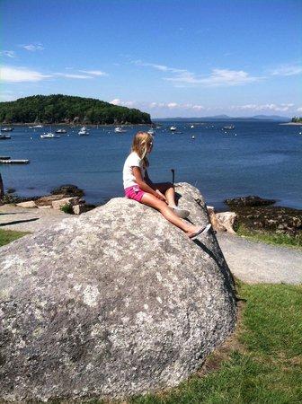 Balance Rock Inn: Enjoying the view