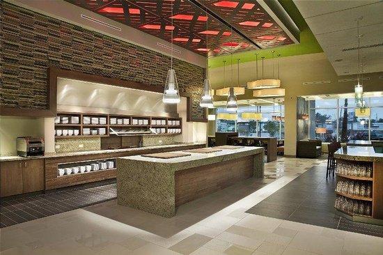 Hyatt Place Manati: SJUZMPGuest Kitchen Med