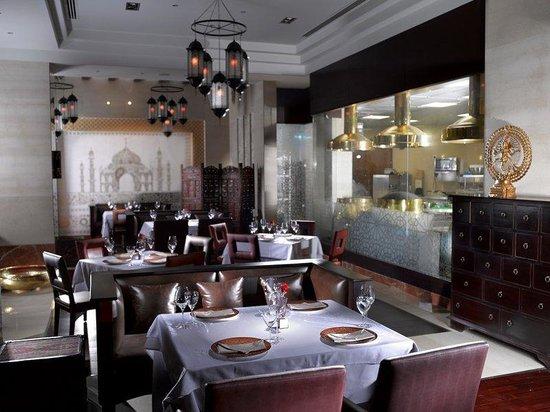 Ramee Grand Hotel & Spa: Rasoi Indian Restaurant