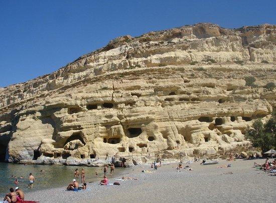 Matala beach : matala caves