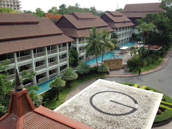 Pullman Pattaya Hotel G: Hotel grounds