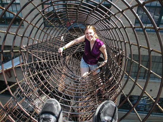 City Museum: Climbing through the wire tunnels several stories up