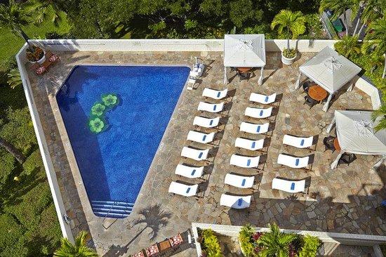 Luana Waikiki Hotel & Suites : Luana Waikiki Aqua Boutique Pool Overhead A
