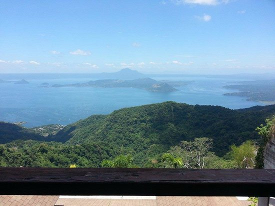 Joaquin's Bed and Breakfast: Breath-taking view of Taal Lake