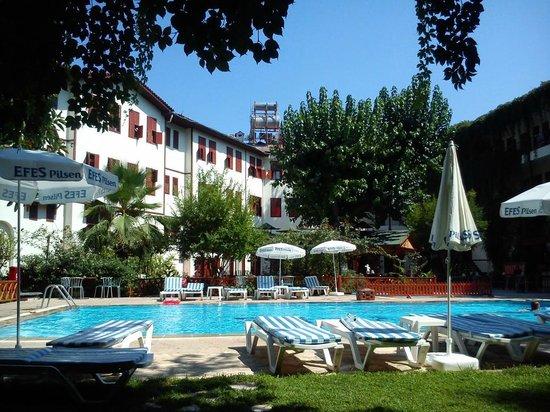 Idyros Hotel: Pool