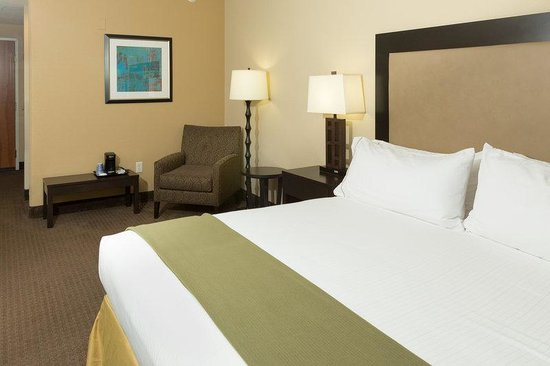 Holiday Inn Express & Suites Jacksonville - SE Med Center Area: King Bed Guest Room