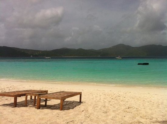 Guana Island: Beach