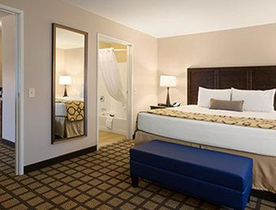 Baymont Inn & Suites San Angelo: One King Bed Suite