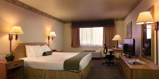 The Redwood Riverwalk Hotel : King