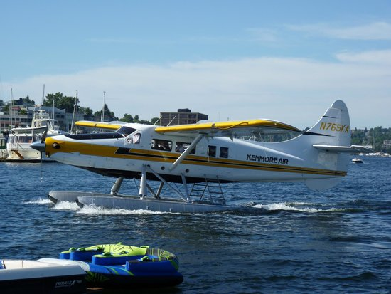 Kenmore Air: This Beautiful DeHavilland Is Your Tour Bus (Plane)