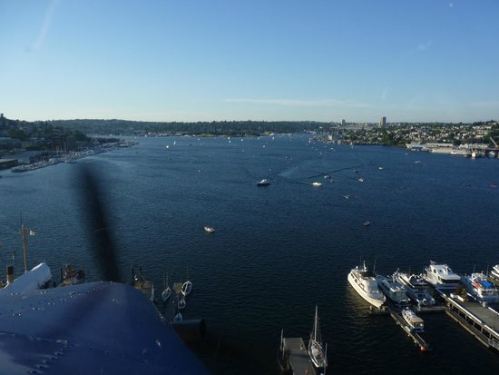 Kenmore Air: Hmm, The Hard Task Is To Avoid the Boats on Landing