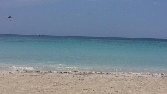 Hotel Riu Palace Tropical Bay: Bloody Bay Beach