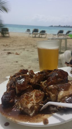 Hotel Riu Palace Tropical Bay : Jerk Chicken from the shack on the beach, best meal there!