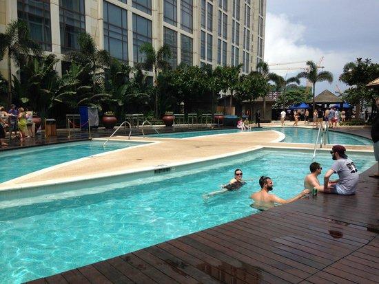 Sheraton Grand Macao Hotel, Cotai Central: Earth Tower pool Floor 8