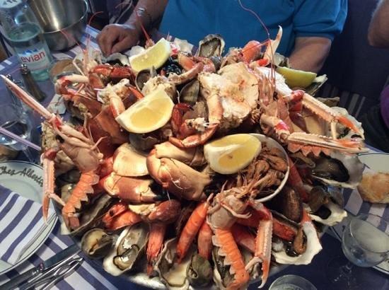tres beau plateau de fruits de mer chez Albert a Biarritz