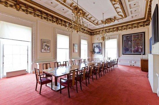 Carlton House: CHTMall Room