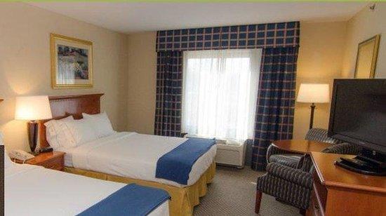 Crossroads Inn & Suites: Double
