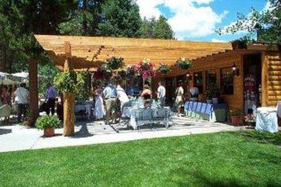 Daven Haven Lodge & Cabins: Patio