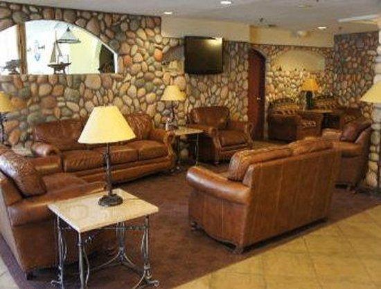 Baymont Inn & Suites Lake Dillon : Lobby