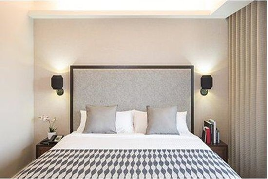 The Leon Hotel: Guestroom