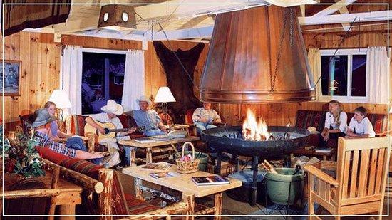 Majestic Dude Ranch : Lodge