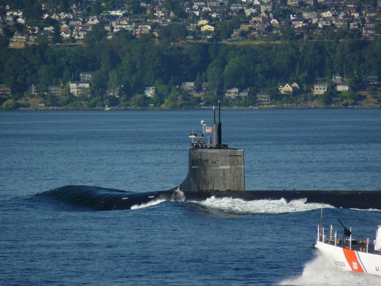 Washington State Ferries: Oh Yes!  A Nuclear Sub with an Armed Escort