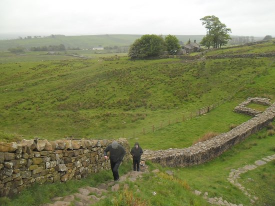 Walltown Crags - Hadrian's Wall: THE WALL