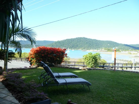 Airlie Waterfront Bed and Breakfast : room with a view 3