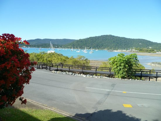 Airlie Waterfront Bed and Breakfast : room with a view 1