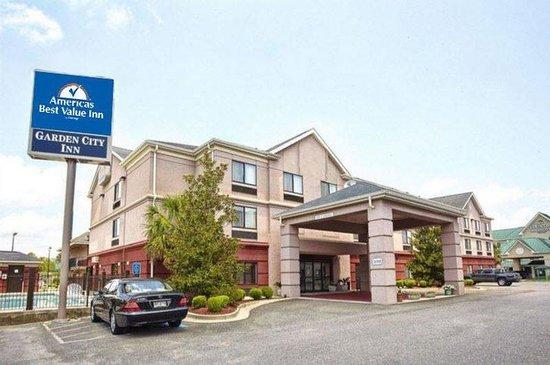 Americas Best Value Inn & Suites Augusta/Garden City: Exterior