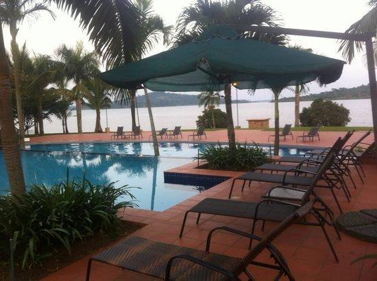 Munyonyo Commonwealth Resort: pool