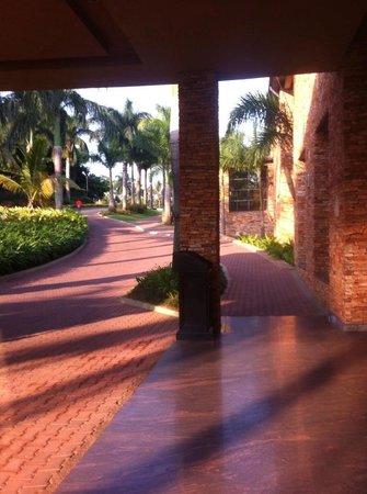 Munyonyo Commonwealth Resort : outside