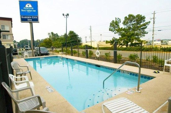 Pool picture of americas best value inn suites augusta for Garden city pool 11530