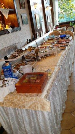 Hotel Alpi: Frühstücksbuffet