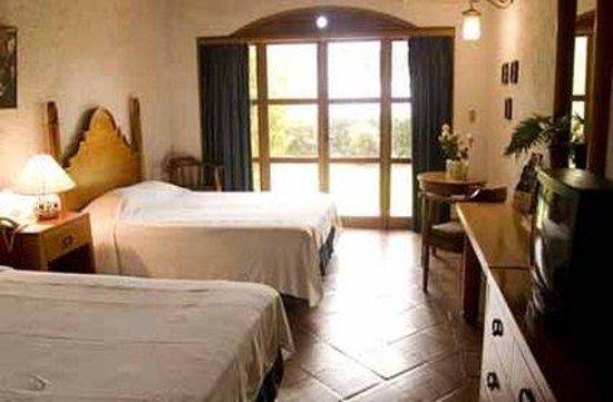 Hotel Posada de Don Rodrigo Panajachel: 2 Queen Deluxe Lakefront View