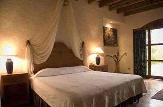 Hotel Posada de Don Rodrigo Panajachel: 1 king deluxe lakefront view