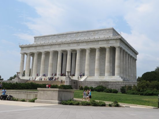 Lincoln Memorial: daytime