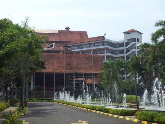 Resorts World Kijal: entrée extérieure