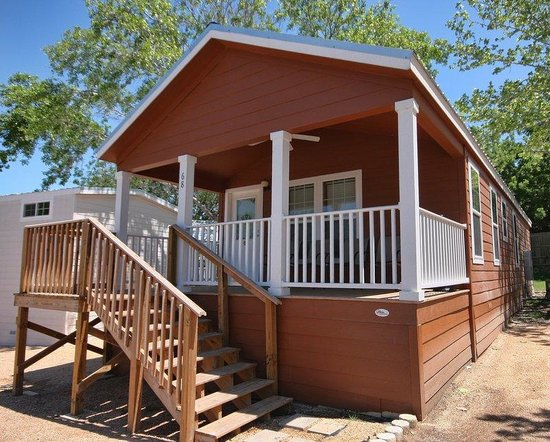 Hill Country Cottage and RV Resort: Cabin