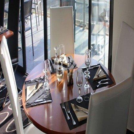 Kyriad Saint Quentin En Yvelines - Montigny : Restaurant2