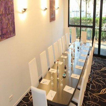 Kyriad Saint Quentin En Yvelines - Montigny : Meeting Room