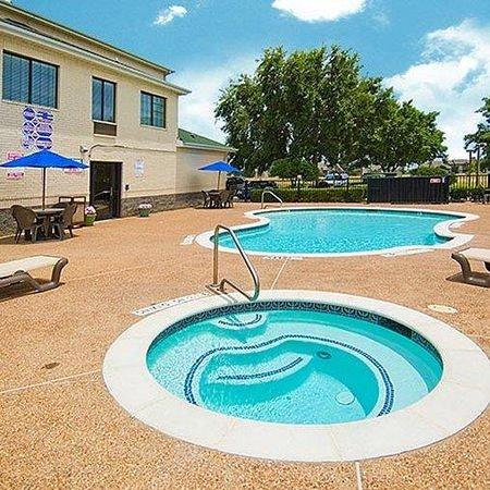 Magnuson Hotel Fossil Creek: pool