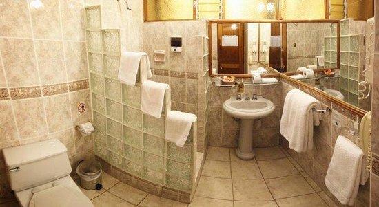BEST WESTERN Los Andes De America: Bathroom
