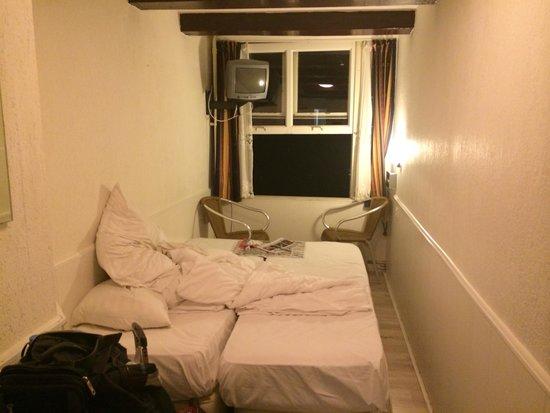 Hotel Vijaya : Room inside photo
