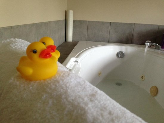 The Coast Hillcrest Resort Hotel: Great little family-friendly flourishes like rubber duckies for kiddy bath time fun